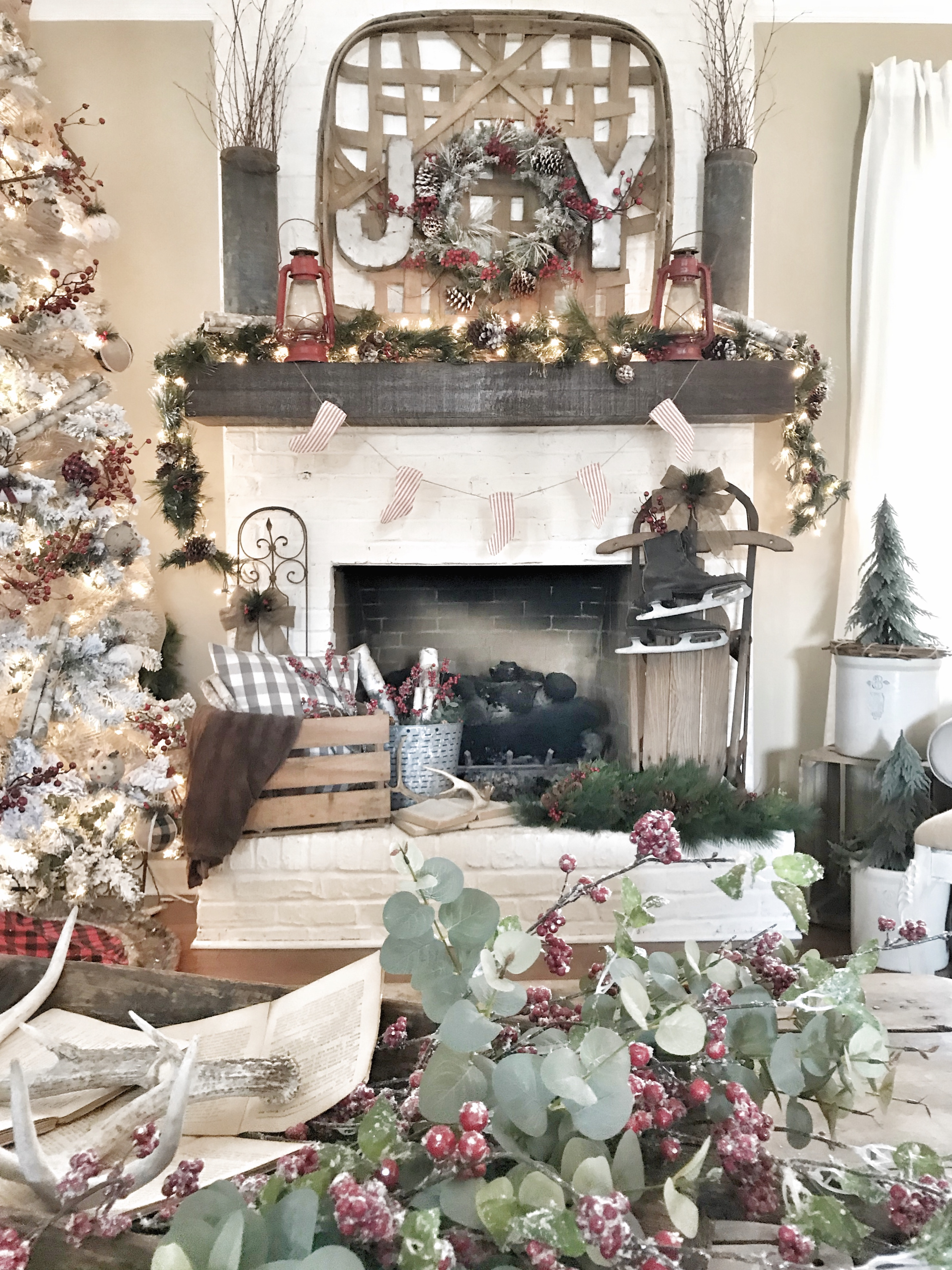 Christmas home tour fireplace