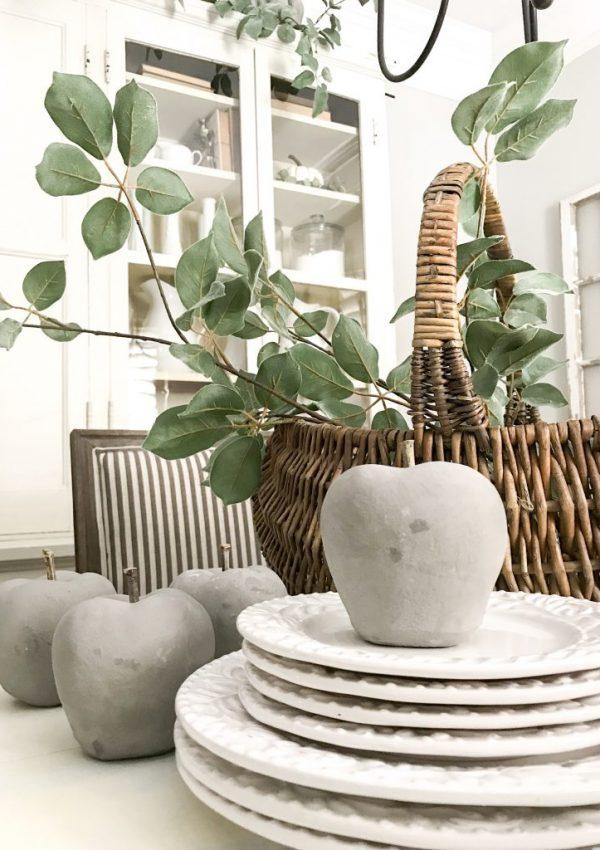 autumn dining room centerpiece