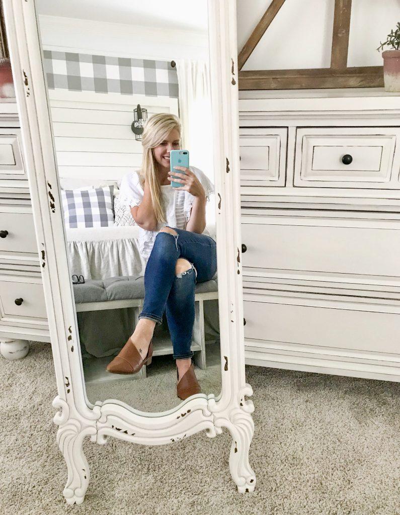 standing mirror in bedroom