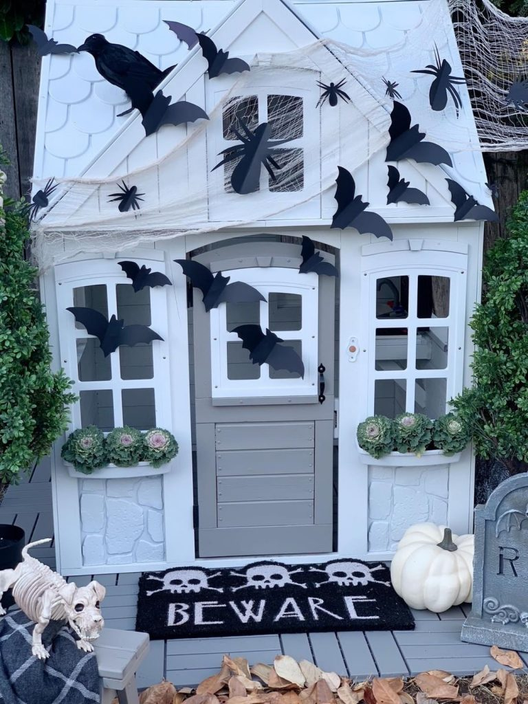 mini haunted house