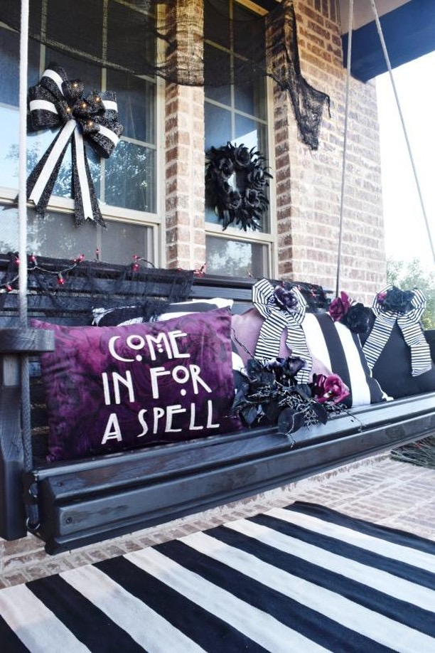 Halloween porch swing