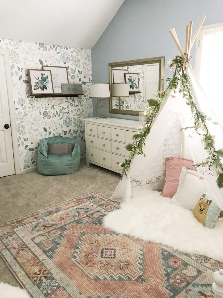 little girl room dresser and tepee