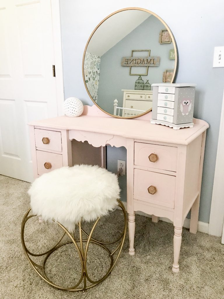 little girl room decor pink makeup table