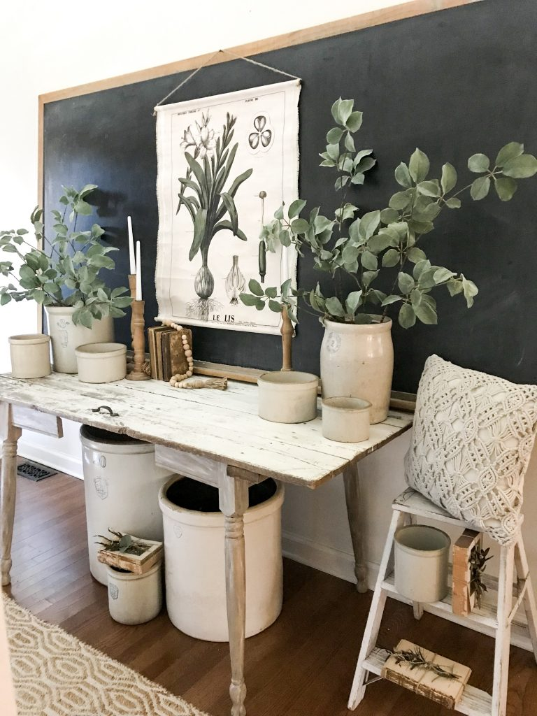how to decorate an entryway chalkboard and prints