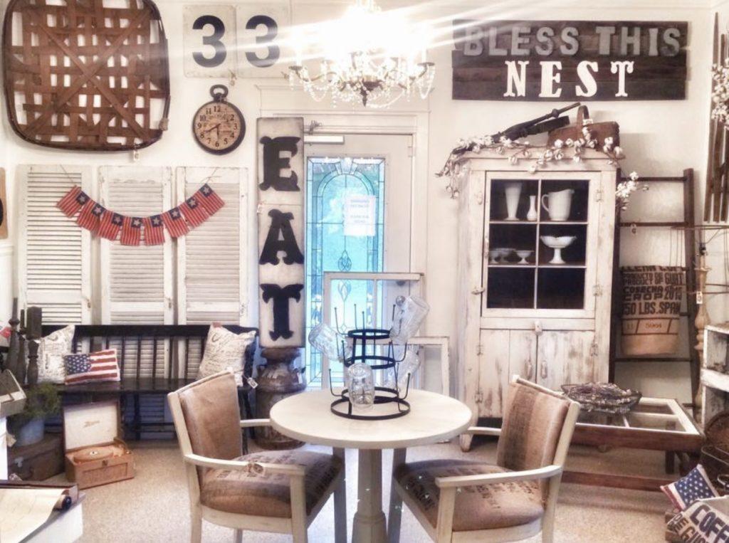 antique booth with farmhouse decor
