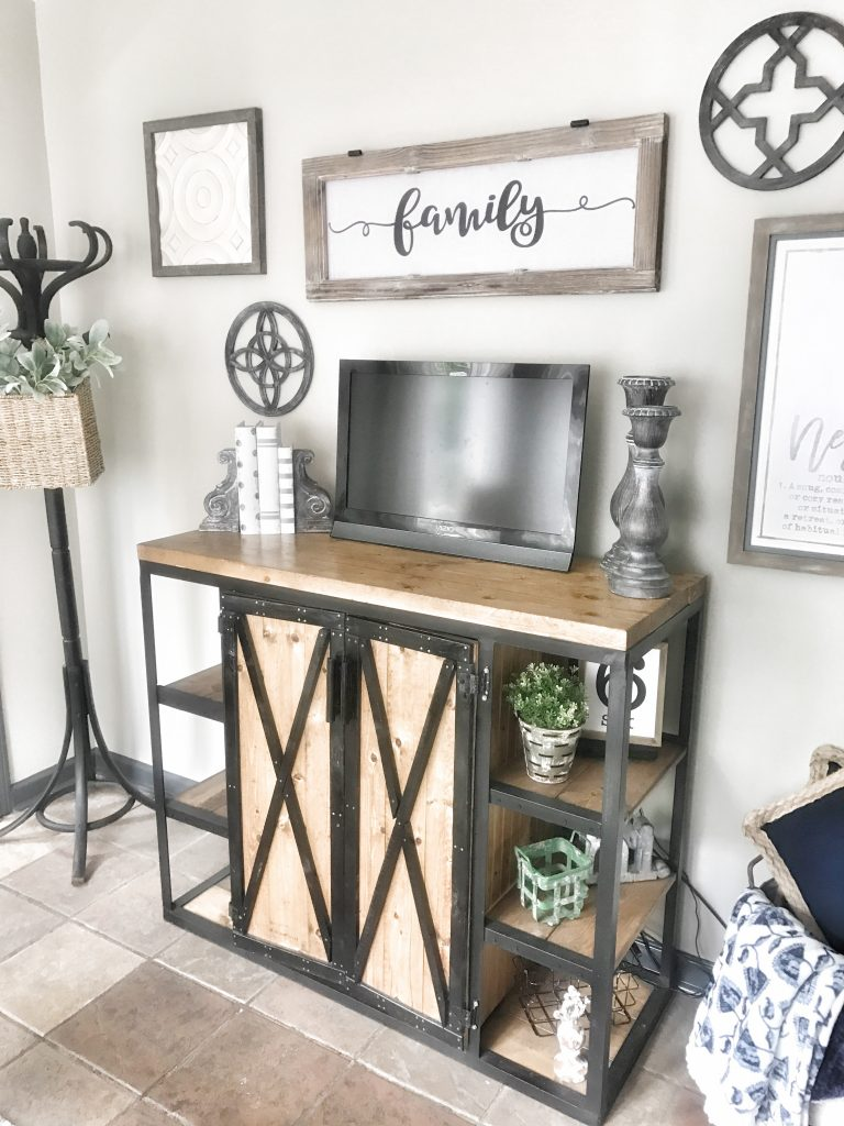 tv area decorated with farmhouse decor