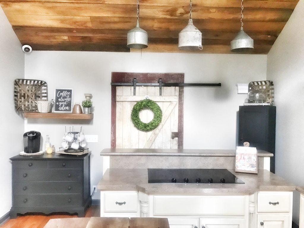 kitchen with farmhouse decor