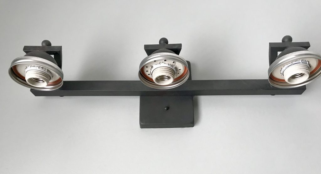bottom view of light fixture with mason jar top attached
